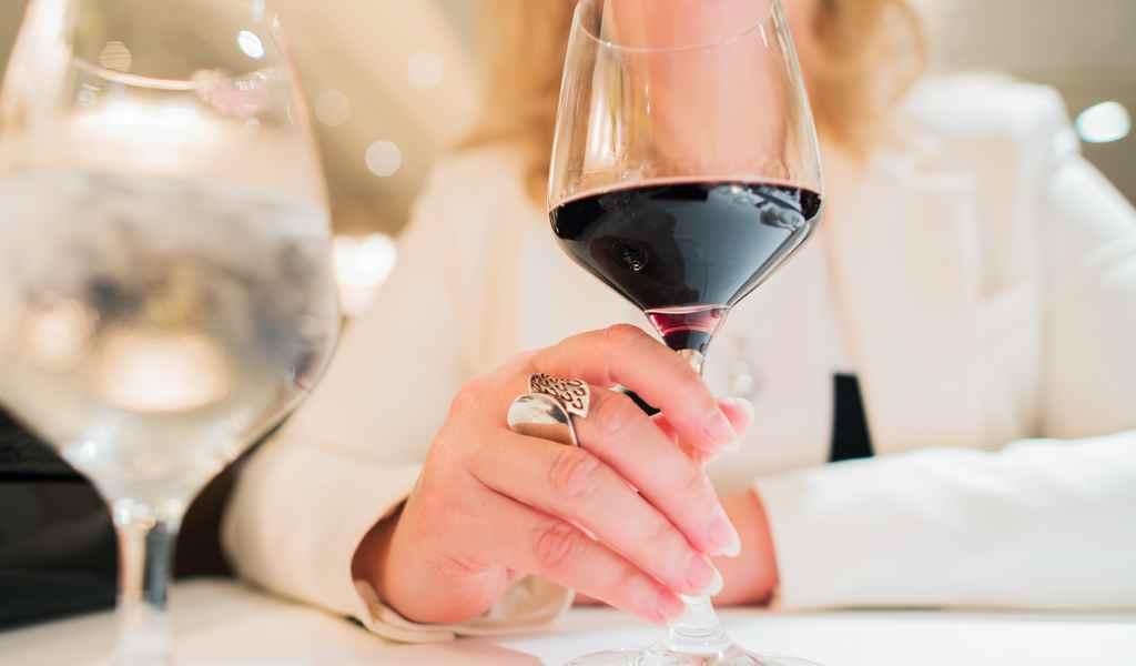 Лечение женского алкоголизма в Серебряных Прудах анонимно